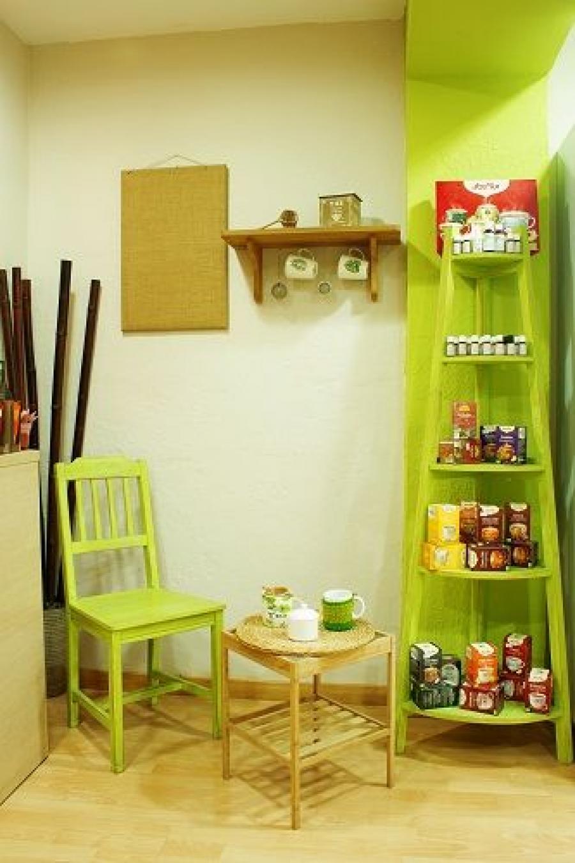 Zona para el té en la tienda vegana en Barcelona, Vegacelona