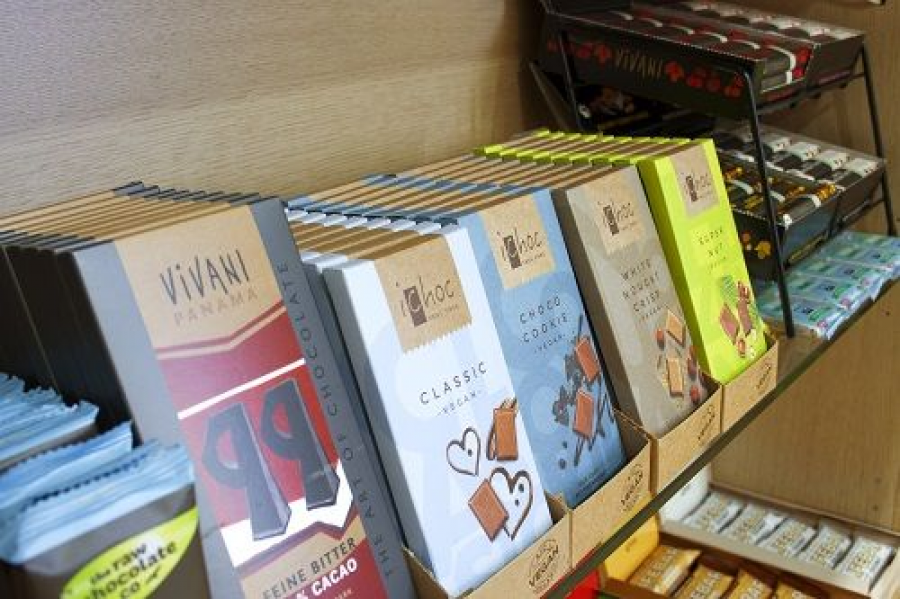 Chocolates veganos en la tienda vegana en Barcelona, Vegacelona