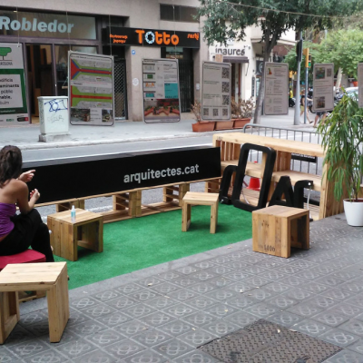 Grup Arquitectes Coac Eixample al Parking(day)Bcn 2020 davant del Mercat del Ninot